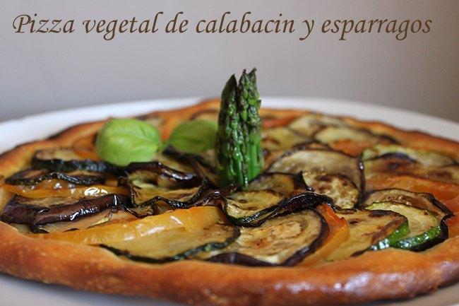 Pizza vegetal, con calabacìn y espárragos trigueros
