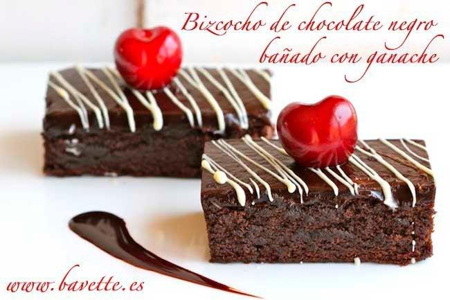 Bizcocho de chocolate negro bañado con ganache