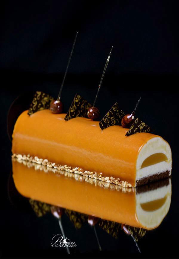 Bûche de Noel con mousse de mandarina y caramelo