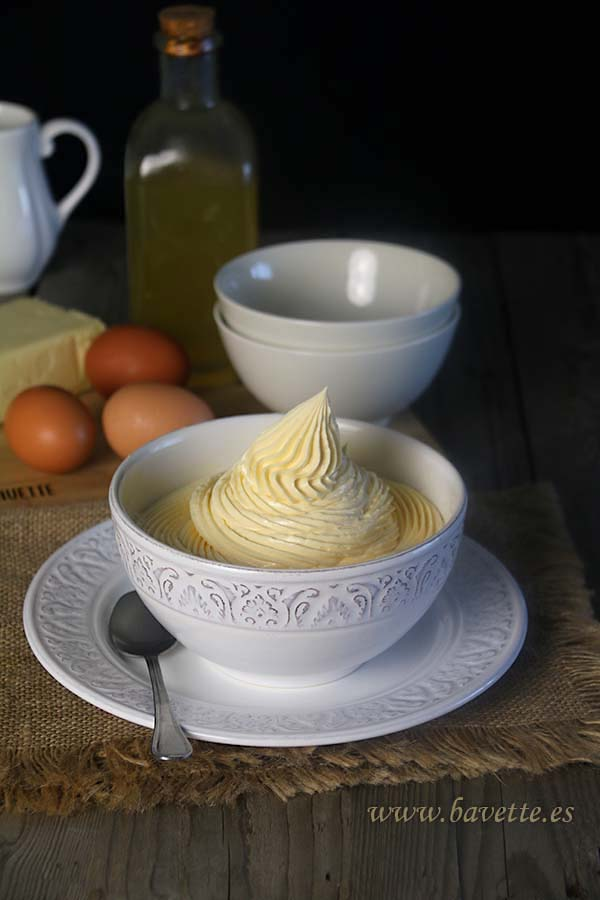 Crema de mantequilla francesa, para pasteles