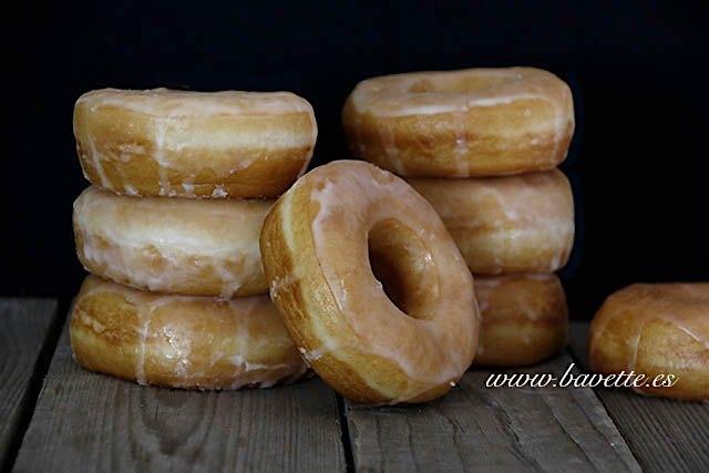 Donuts clásicos con glasa