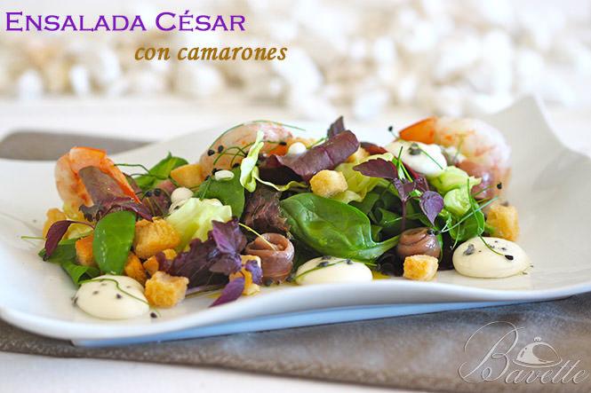 Ensalada César con camarones y esferificación de parmesano