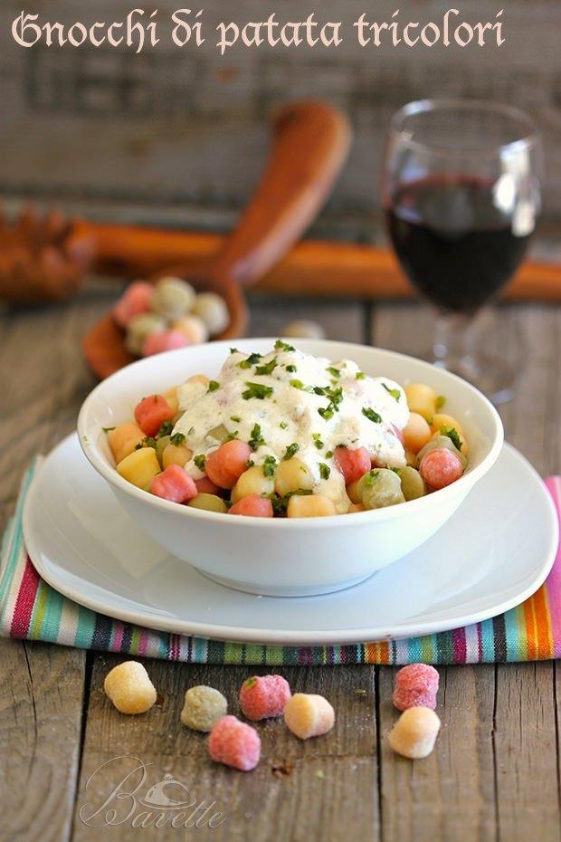 Gnocchi di patata tricolori con crema gorgonzola.