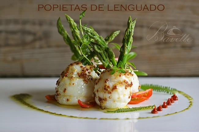 Popietas de lenguado con espárragos verdes y vinagreta de mostaza