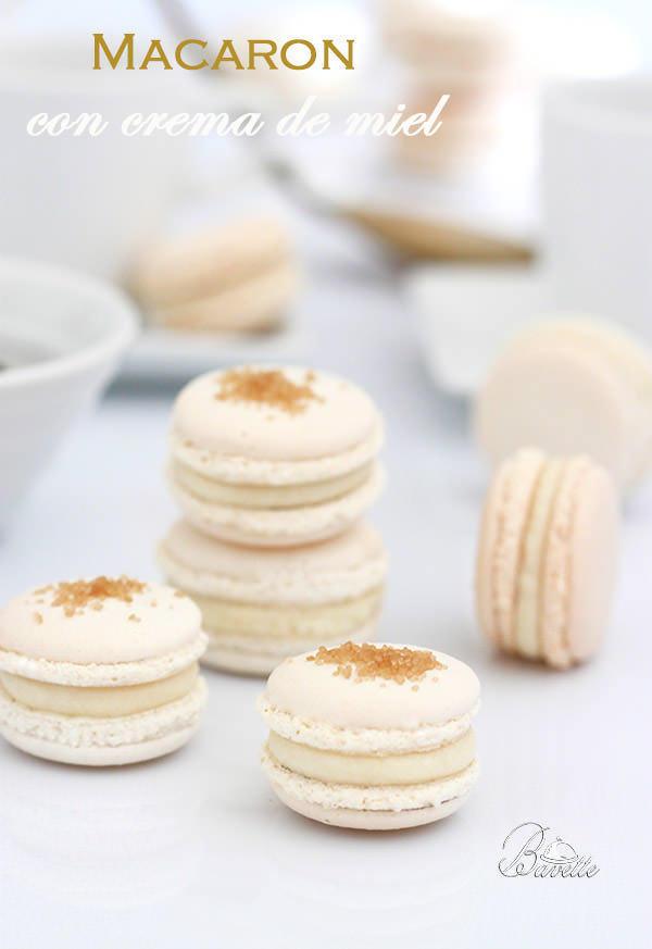 Macaron blanco con crema de miel