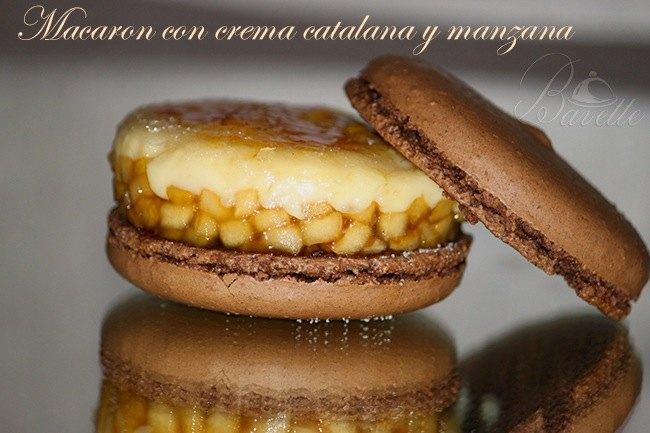 Macarón de chocolate con crema catalana y manzana caramelizada.