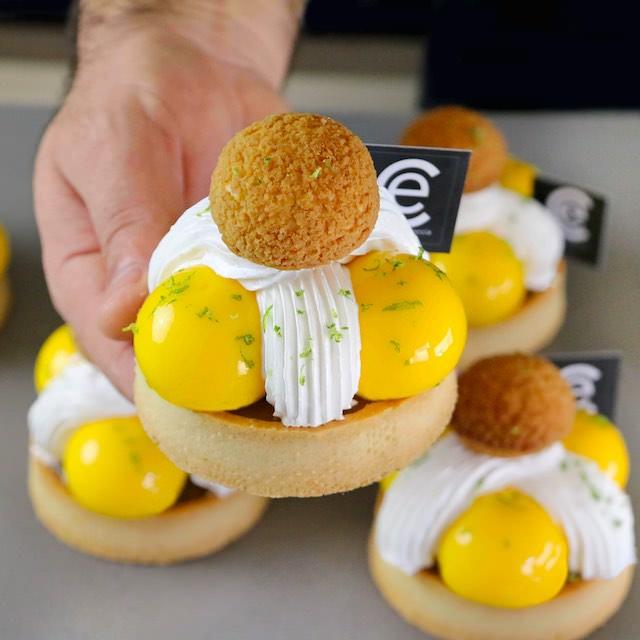 Tartaletas de Limón, Almendra y Merengue suizo