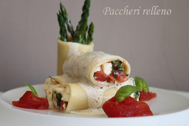 Paccheri con tomate cassè, anchoas y crema de burrata.