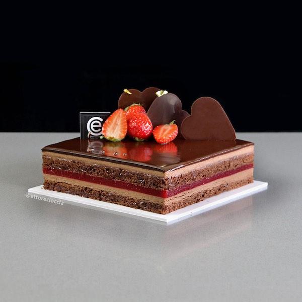 Tarta Sacher con Confitura de Fresa y Mousse de Chocolate