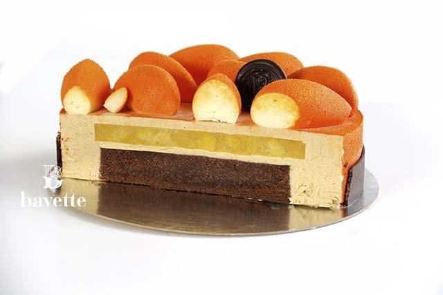 Tarta de melocotón con bavaroise de caramelo